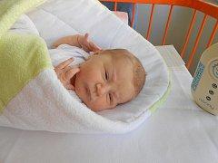 Laura Kosinová se narodila 12. září mamince Lucii a tatínkovi Liborovi z Mladé Boleslavi. Vážila 3,33 kg a měřila 47 cm. Doma se na ni už těší sestřička Lindička.