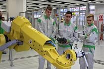 Střední odborné učiliště strojírenské v hlavním závodě automobilky Škoda Auto prošlo v letech 2014-2017 zásadní modernizací. Dočkalo se CNC centra, laboratoře robotiky i jazykového centra.