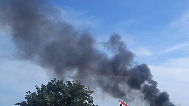 Požár skládky v Michalovicích