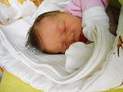 Magdaléna Kaplanová se narodila 5. března, vážila 3,6 kg a měřila 49 cm. S maminkou Kateřinou a tatínkem Lukášem bude bydlet v Lysé nad Labem, kde už se na ni těší bráška Matyáš.