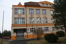 Škola v Brodcích má staletou historii, ministreská reforma by ji mohla zavřít.