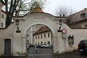 Muzeum Mladoboleslavska zahájilo v sobotu 13. dubna novou výstavu s názvem Hrady na Jizeře.