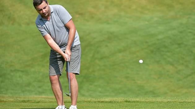 Golfisté už mohou do akce