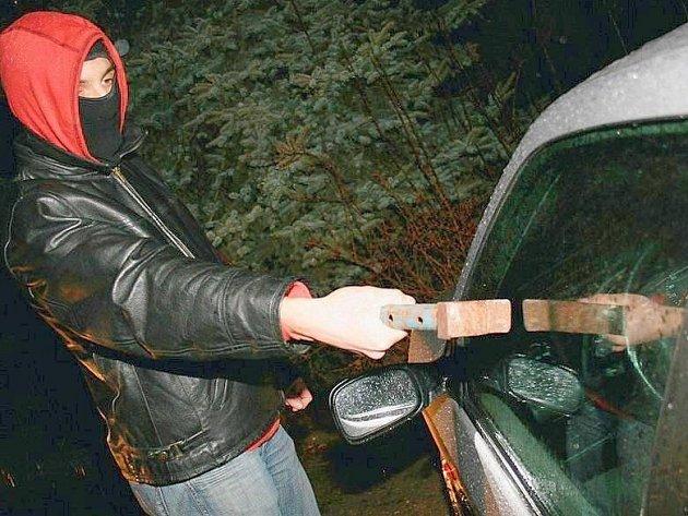 Zloděje z Prahy odhalili policisté z Mladé Boleslavi