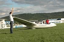 Závody v letecké bezmotorové akrobacii v Mladé Boleslavi