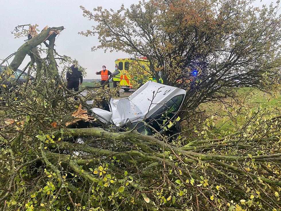 Dopravní nehoda u Sukorad.