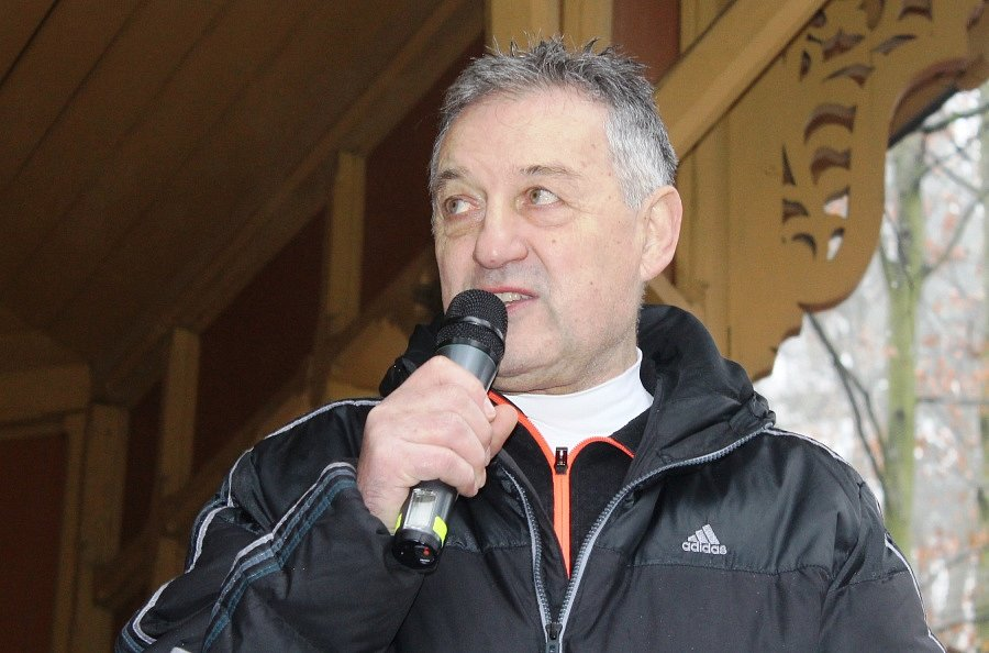 120 závodníků se vydalo vstříc několika tratím 34. ročníku Silvestrovského běhu v lesoparku Štěpánka v Mladé Boleslavi. Tu hlavní vyhrál Jiří Miler z domácího AC Mladá Boleslav.