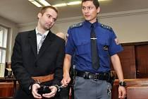 Za ubodání jedné ženy a fyzické napadení další půjde Marcel Hazdra na 15 let do vězení. Rozhodl o tom ve středu 21. března 2012 Vrchní soud v Praze. Zamítl jeho odvolání, a potvrdil tak verdikt středočeského krajského soudu z loňského prosince. Vražda se