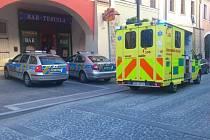 Sebevraha v centru zachraňovalo několik policejních hlídek
