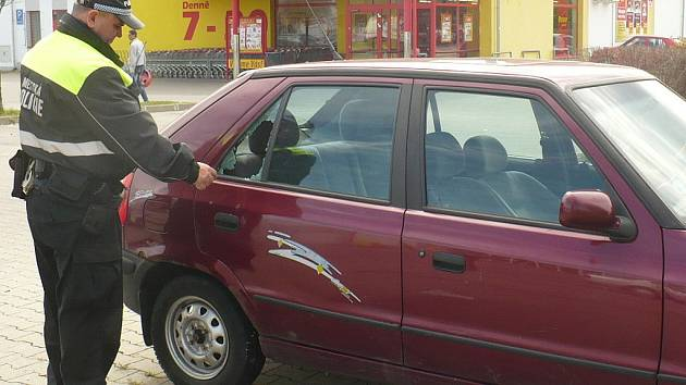 Ilustrační foto - vloupání do auta MB