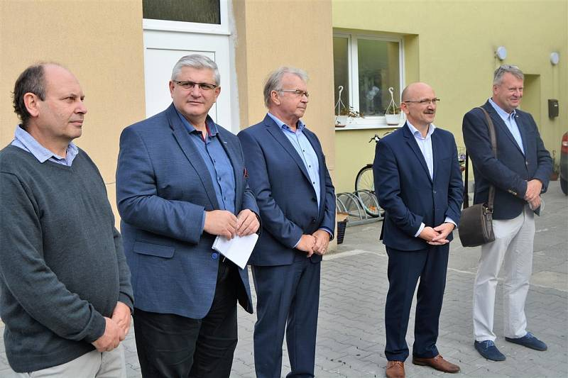 Ze slavnostního otevření zrekonstruované polikliniky v Benátkách nad Jizerou.