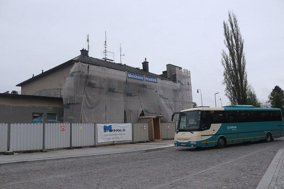 Rekonstrukce nádraží v Mnichově Hradišti.