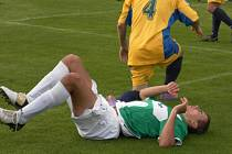 Fotbalové derby mezi Bělou a Luštěnicemi se hrálo slušně, přesto se někteří aktéři seznámili s hebkostí pažitu hřiště ve Bělé