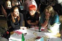 V kulturním středisku Svět se sešla veřejnost se zástupci z Magistrátu MB a společně řešili otázku sociálních služeb