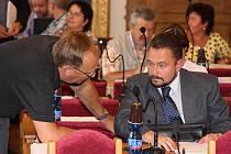 Odvolaný předseda Zvonu Jan Nejman (vpravo).