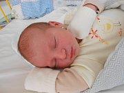 Štěpán Kříž se narodil 12. listopadu, vážil 3,48 kg a měřil 51 cm. Maminka Andrea a tatínek Zdeněk si ho odvezou domů do Sudova Hlavna, kde už se na něho těší sestřička Ema.