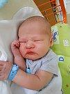 Šimon Charvát se narodil 1. července, vážil 4,03 kg a měřil 53 cm. S maminkou Janou a tatínkem Jaroslavem bude bydlet v Hrušově.