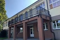 V Hradišti opravili posprejovanou školu