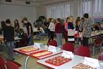 Základní škola v Bakově nad Jizerou se toto úterý otevřela veřejnosti. Již druhým rokem se zde konal školní bakovský Restaurant Day.
