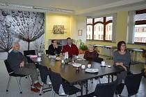 Brain&Breakfast nabídl inspirativní snídani s Vladimírem Dzurem v mladoboleslavské knihovně