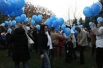 Mateřská školka v Mnichově Hradišti se připojila k boji o rekord v pouštění balónků.