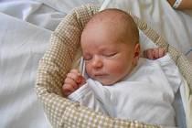 VIKTORKA Jirásková se narodila 7. září. Vážila 2,85 kilogramů a měřila 48 centimetrů. Maminka Helena a tatínek Petr si ji odvezou domů do Kovánce.