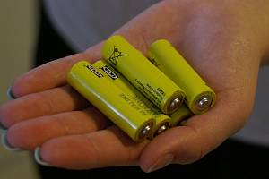 Baterie patří do sběrných nádob