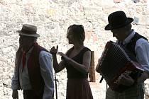 Tradiční lidová výroba se o víkendu představila na hradním nádvoří