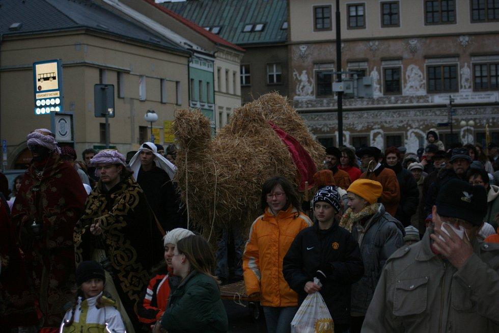 Průvod se vydal z Českobratrského náměstí na nádvoří hradu.