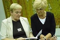 Autorky nové knihy o mlýnu v Neuberku a s ním spojeným rodu Cicvárků.