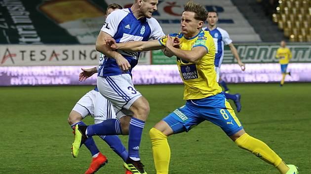 Teplice (ve žlutém) doma prohrály s Mladou Boleslaví zaslouženě 0:2.