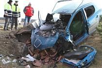 Tragická dopravní nehoda u Bělé pod Bezdězem.