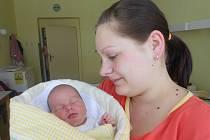 BARBORA Kafková se narodila mamince Petře a tatínkovi Martinovi 28. března. Vážila rovné 3 kilogramy a měřila 48 centimetrů.  Doma v Kosmonosích na ni netrpělivě čeká bráška Matěj.