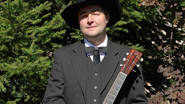Pavel Handlík z mladoboleslaských kapel Barbecue a Sunny Side.