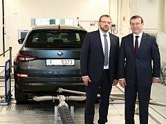 Škoda Auto včera slavnostně uvedla do provozu novou válcovou laboratoř, kde bude probíhat vývoj a testování nových motorů, a to zdaleka nejen těch spalovacích, ale také hybridních či vyloženě alternativních.
