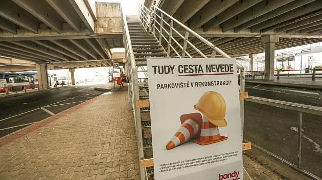 Rekonstrukce venkovního parkoviště Bondy centra v Mladé Boleslavi.