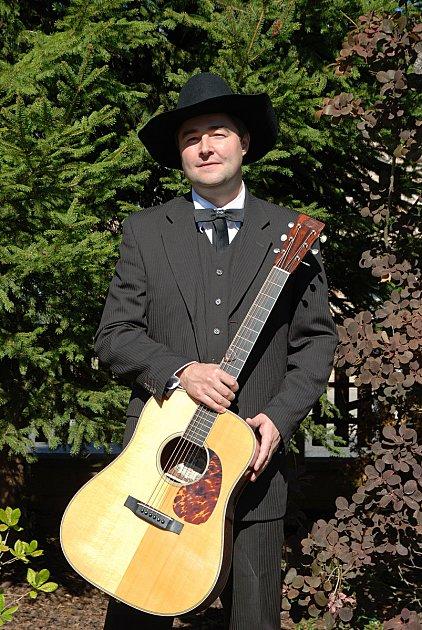 Pavel Handlík zmladoboleslaských kapel Barbecue a Sunny Side.