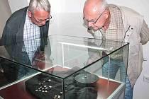 V Muzeu Mladoboleslavska až do neděle zhlédnete výstavu pokladu unikátního, který našel poctivý nálezce v Podlázkách