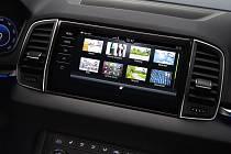 Jen několik dní před světovou premiérou svého nového SUV Škoda Karoq, jenž má být následníkem Yetiho, zveřejňuje automobilka první detaily nového modelu.