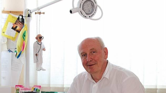 Pediatr Pavel Nechanický.