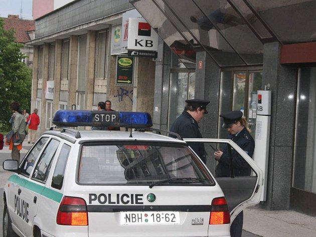 Pobočka Komerční banky v Boleslavi byla včera kvůli přepadení uzavřena