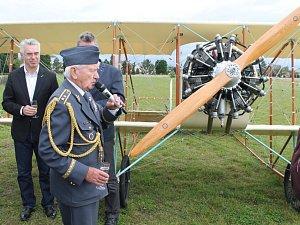 Křest repliky francouzského letadla z roku 1913 Caudron G3