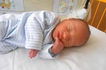 JAKUB Pikal se narodil 5. dubna, vážil 2,78 kg a měřil 46 cm. Maminka Oksana a tatínek Jiří si ho odvezou domů do Turnova, kde už se na něj těší bráška Denis.