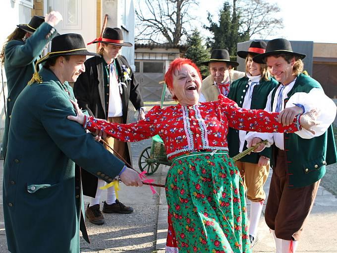 Koledníci v Malé Bělé pobavili celou vesnici.