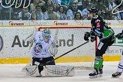 Utkání 52. kola Tipsport extraligy ledního hokeje se odehrálo 3. března 2017 v liberecké Home Credit areně. Utkaly se celky Bílí Tygři Liberec a BK Mladá Boleslav. Na snímku vlevo brankář Ján Lašák.
