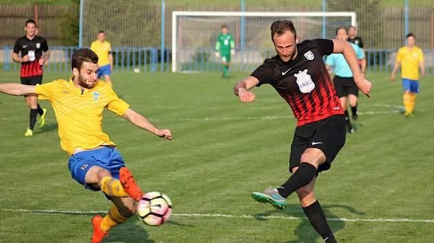 Fotbal, ČFL: Dobrovice - Benešov.