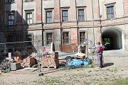 Rekonstrukce bělského zámku je v plném proudu