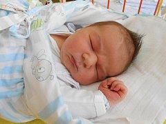 Martin Vyhlas se narodil 28. května, vážil 4,75 kg a měřil 53 cm. S maminkou Michaelou a tatínkem Martinem bude bydlet v Malé Bělé, kde už se na něho těší bráška Míša.