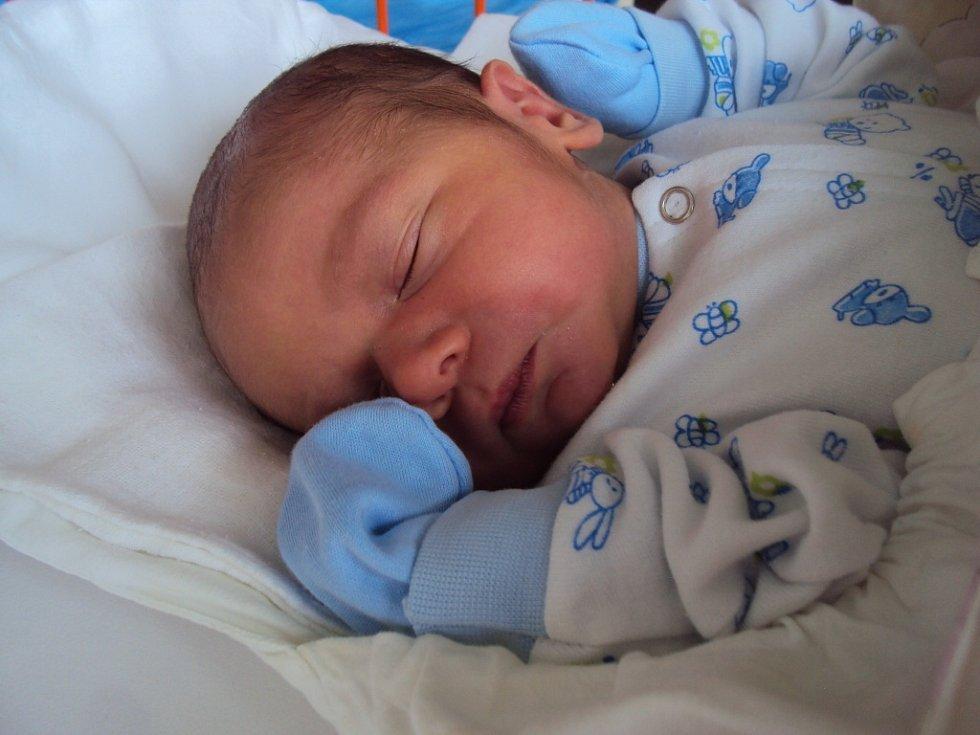 VADYM Masniuk vykoukl na svět 31. srpna a jeho porodní míry byly 3,52 kilogramu a 52 centimetrů.