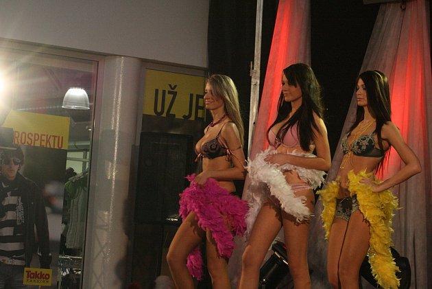 Módní show aneb módní cirkus v Olympii.